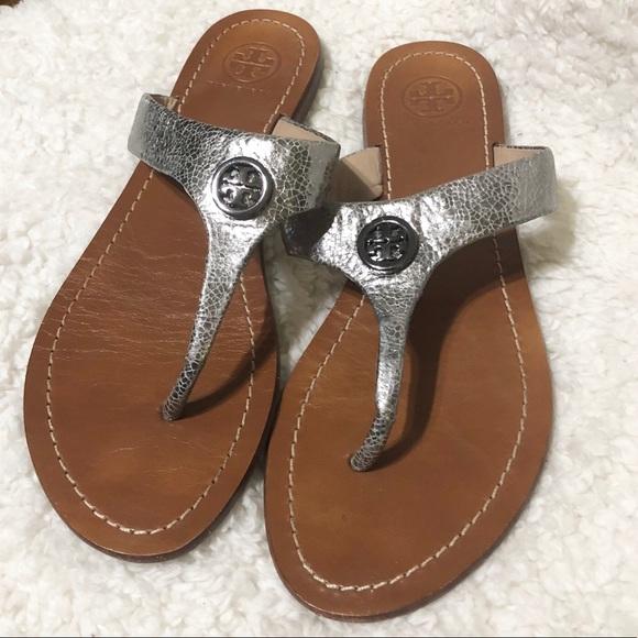 54234b206 Tory Burch Metallic Cameron Thong Sandals. M 5b89baddf414526a33867275